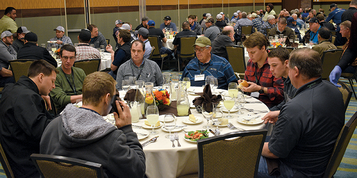 Attendees refuel and network during lunch.